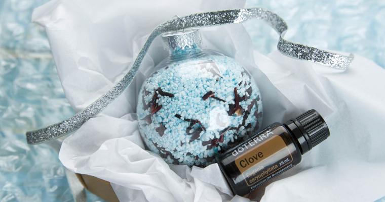 DIY – Holiday Bath Salt Ornaments